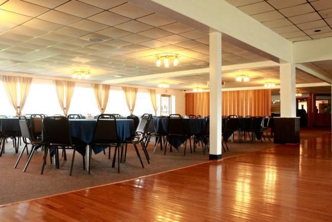 916 RIVERSIDE - Banquet Room