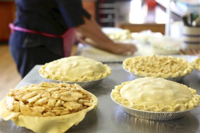 Heart 'n Hand Pie Shop